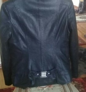 Куртка новая3000 и Жилетка меховая 7000