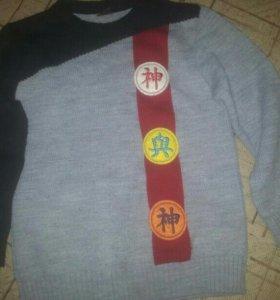 Свитер,футболки и спортивные штаны