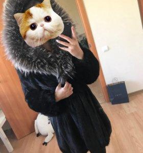 Норковая шуба с капюшоном из чернобурой лисы