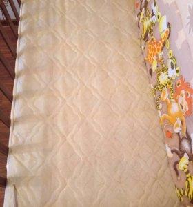 Детская кроватка с матрасом и мягкой Обшивкой