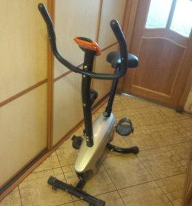 Велотренажёр Iron Body 7041BK
