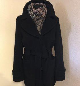П/ пальто женское , Италия, два: 46-48 и 40-42 р-р
