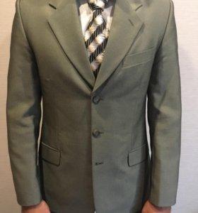 Мужской классический костюм, размер 48-50