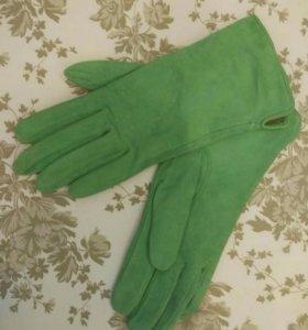 Перчатки женские . Замшевые . Новые!