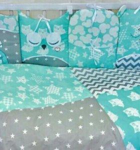 Новый комплект в кроватку совы на мятном