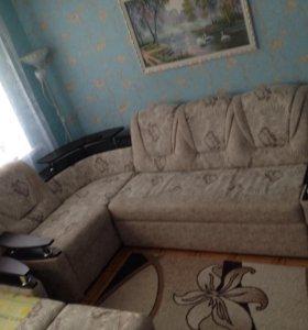 Угловой диван и кресло кровать