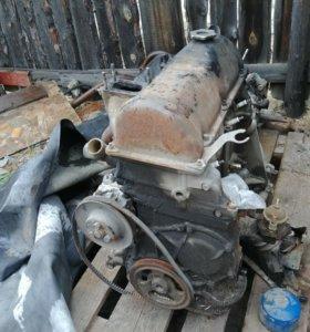Мотор и коробка ваз 2107, троешный.