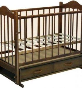 Кроватка с маятником и два матраса, бортики