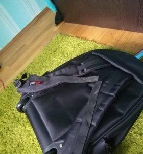 Чемодан-рюкзак на колесах