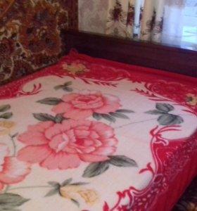 Кровать с матрасо