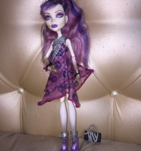 кукла Спектра Monster High