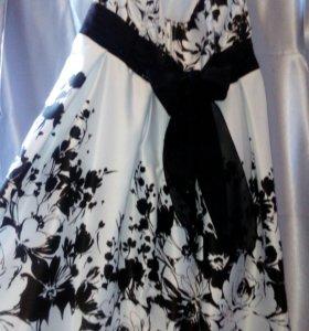 Продаю вечернее платье 50 размер,привезу по городу