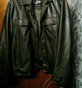 Продам фирменную клжаную куртку красивую xxl 52,54