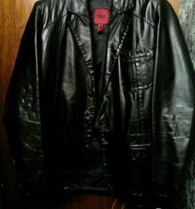 Продам фирменную кожаную куртку италия размер 52