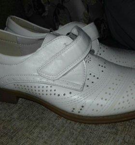 Туфли новые на мальчика