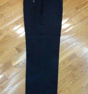 Школьные брюки на мальчика 134-140