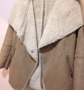 Пальто женское Bershka