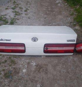 Крышка багажника с боковыми стопами mark 2 jzx100