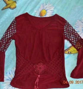 Симпатичная нарядная блузка на девочку