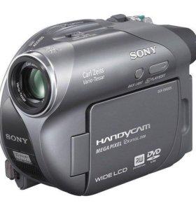 Видеокамера Sony DCR-DVD205E