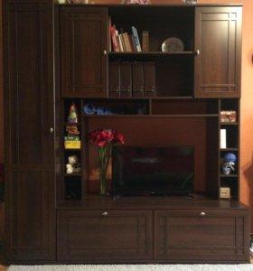Новые стенка и Два шкафа. Угловой с зеркалом.