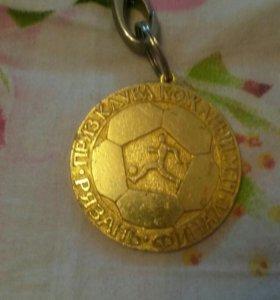 Медаль за победу в финале турнира кожаный мяч