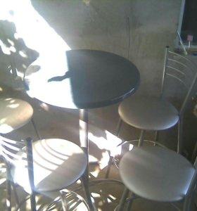 Барный стол и 4 стула .торг