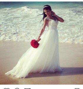 Продам шикааарное свадебное платье!размер 42!торг!