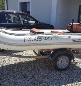 Моторная лодка Stingray 320 c прицепом