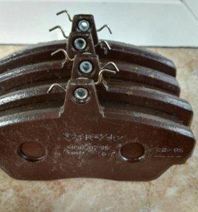 Передние тормозные колодки на фиат.