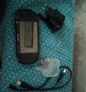 PSP E1008 (неисправная) ,4карты памяти по 4Gb