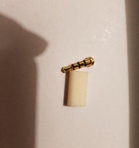 Кнопка в разьем для наушников