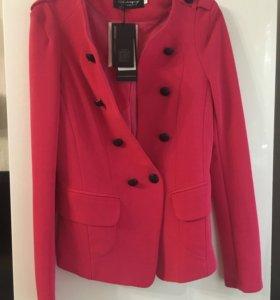 Пиджак ярко-розовый