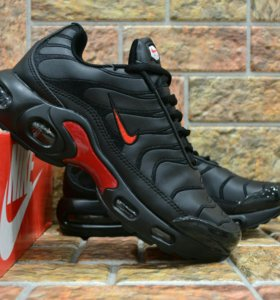 Кроссовки NIKE AIR MAX PLUS TN BLACK AND RED