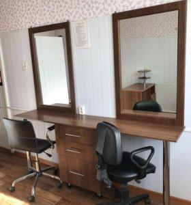 Зеркало с полками, полочки и стол, журнальный стол