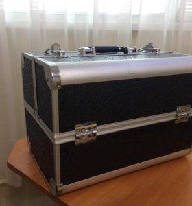 Кейс, чемодан для nail-мастеров или визажистов