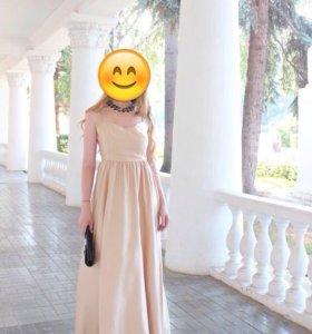 Продается шикарное платье цвета шампань.