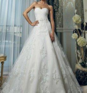 Свадебное платье размер 44. Диадема в подарок!