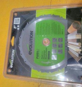 Твердосплавный пильный диск Evolution Fury новый