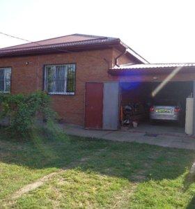 Дом, 182 м²