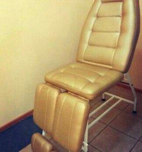 Сдам кресло мастеру маникюра/педикюра