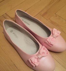 Туфли новые девочке