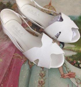 обувь новая!!