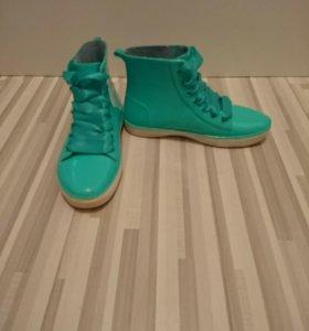 Резиновые ботинки-кеды