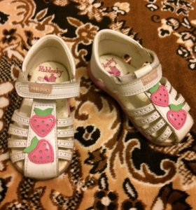 Босоножки (сандалии) для девочки (Испания).