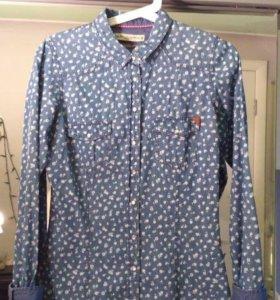 Синяя рубашка в цветочек
