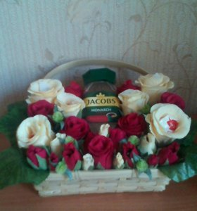 Подарок в корзинке