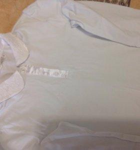 Блузка трикотажная с атласным воротничком.