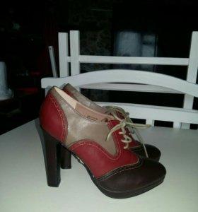 Ботинки 38 новые