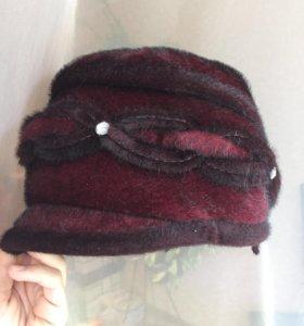 Красивая женская зимняя шапка